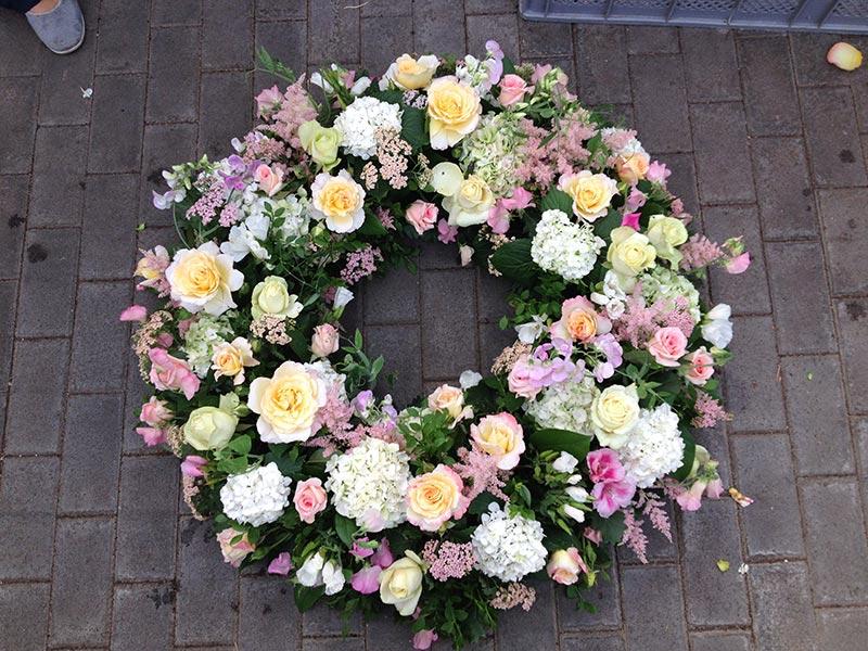 Trauerfloristik Blumen Rössl